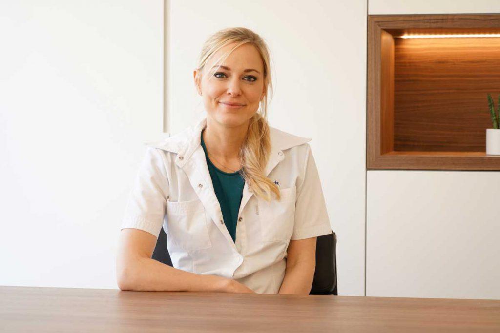 Dr. Stefanie Bracke